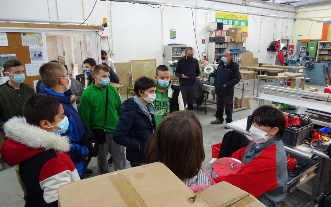 Visite des jeunes de l'IME EPNAK Auxerre à l'ESAT EPNAK Auxerre.