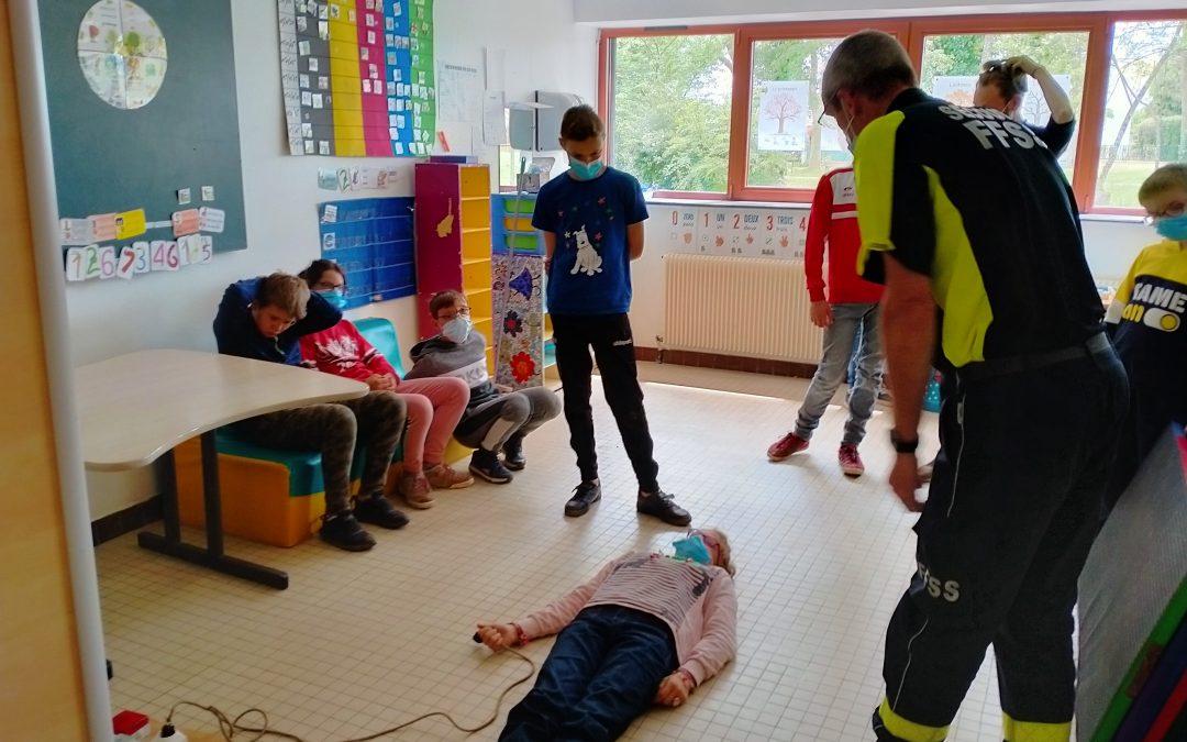 Initiation aux gestes de premiers secours pour les jeunes de l'IME de Saint-Fargeau